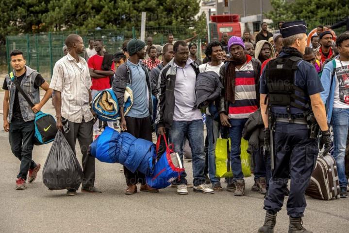 Migrants : la France propose 2 500 euros pour rentrer au pays
