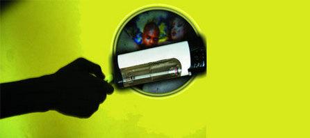 CONSTAT - Une torche obscène accessible au grand public : Le briquet porno pénètre les foyers