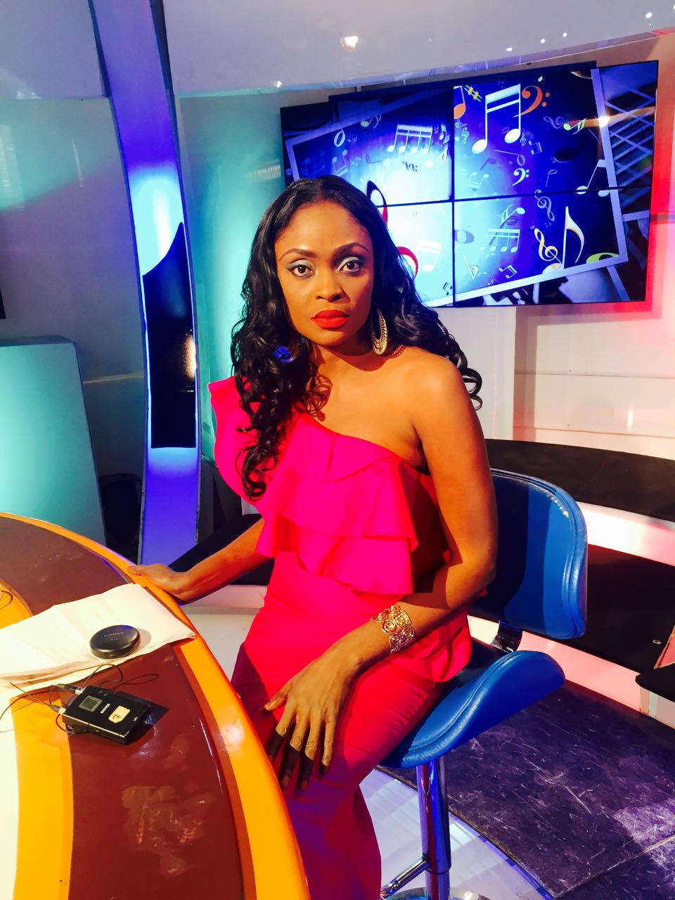 Ayni Mbodj la beauté de la RTS