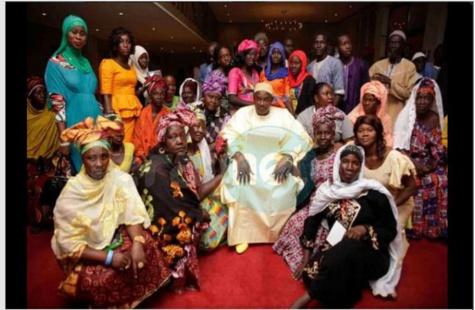 Gambie: le président élu Adama Barrow reçoit une délégation de Tallinding et Brikama montrant leur soutien et leur solidarité aprés sa victoire
