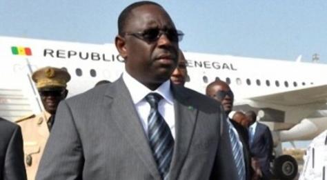 Macky Sall a quitté Dakar pour un sommet de la CEDEAO à Abuja