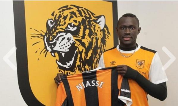 Mercato : Baye Oumar Niasse prêté à Hull City jusqu'à la fin de la saison