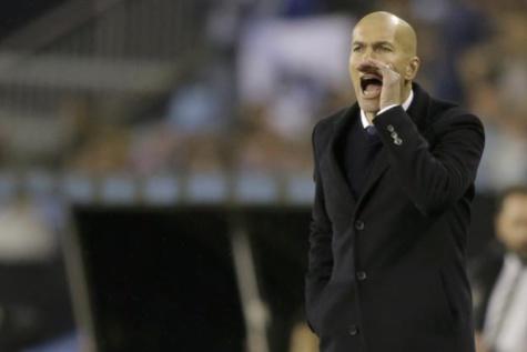 Zinédine Zidane et le Real ont été sortis en quart de finale de la Coupe du Roi. (Reuters)