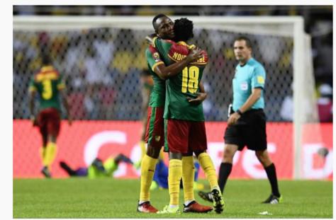 Vincent Aboubakar et Robert Ndip Tambe sont aux anges. (AFP)