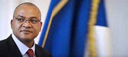Sarkozy nomme un préfet noir : La France fait son show autour de N'Gahane