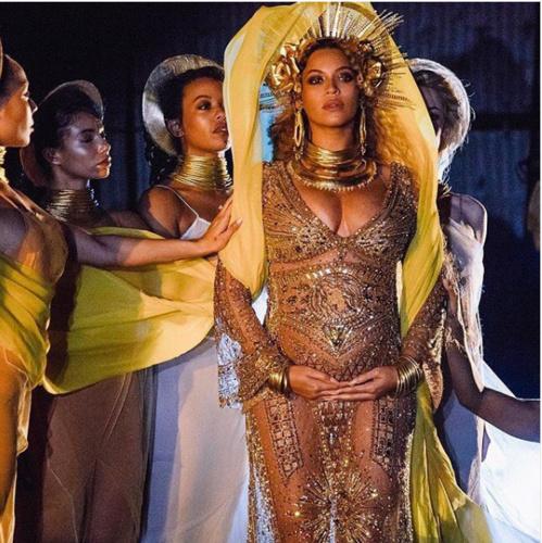 Queen Bey sur scène aux #Grammys2017
