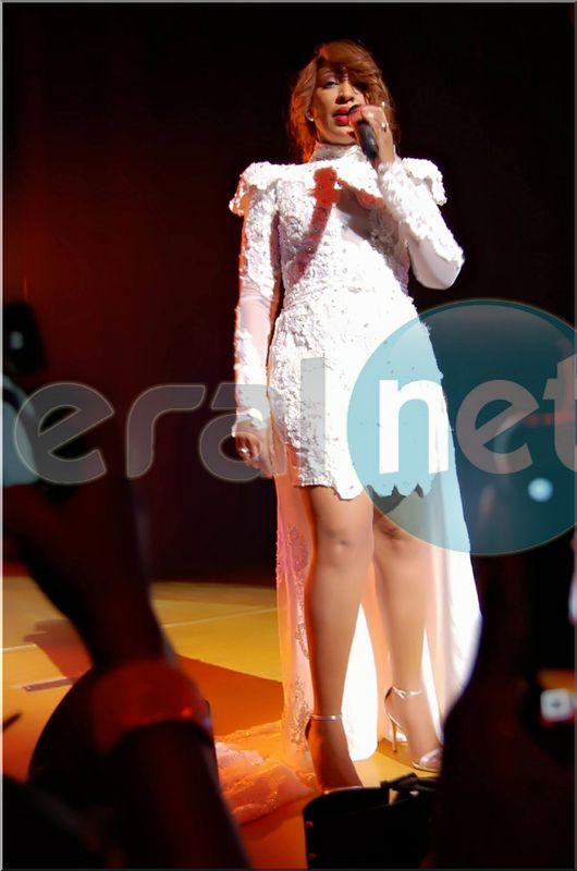 Photos- Viviane Chidid tout de blanc vêtue sexy comme toujours!!!