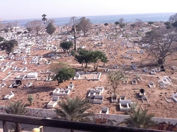 Découverte macabre: Un homme retrouvé mort dans le cimetière de Soumbédioune