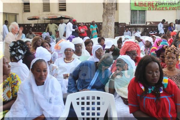 Le grand meeting de la population medinoise,et tous les leaders de l'opposition