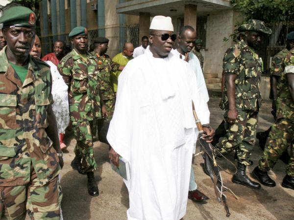 L'objectif est de détruire tous les stocks conservés sur plusieurs sites de l'armée gambienne même si pour l'heure ils ne constituent pas un risque direct pour la population.