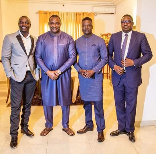 05 Photos: Thione Niang et Akon, guest-star du Président gambien Adama Barrow…