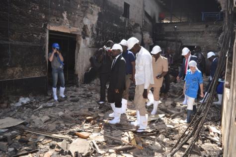 Usine IKAGEL de Mbour ravagée par les flammes : Le ministre Oumar Gueye sur les lieux de l'incendie