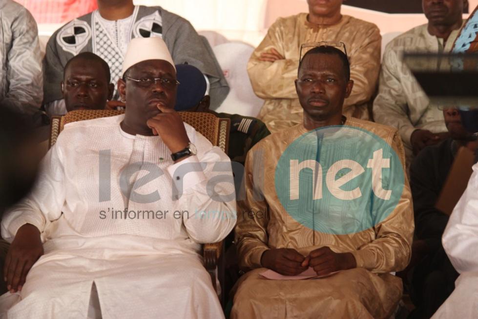 Macky Sall a rendu visite à la maman de Daouda Dia et Harouna Dia à Orkadiéré, émouvant...