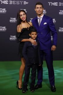 Cristiano Ronaldo à nouveau papa ? La star attendrait des jumeaux !