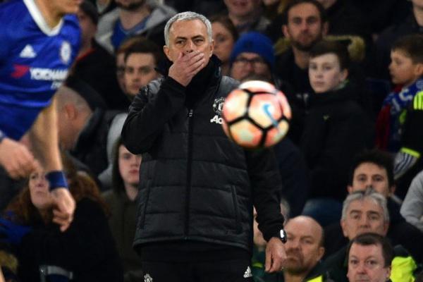 """Mourinho aux supporters de Chelsea : """"Judas"""" est toujours le numéro 1"""""""