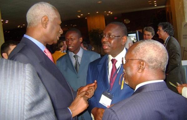 Silence ...bavard de Abdou Diouf sur la crise au Ps...Et pourtant, l'ancien PR se la coule douce au Petit Palais à Dakar