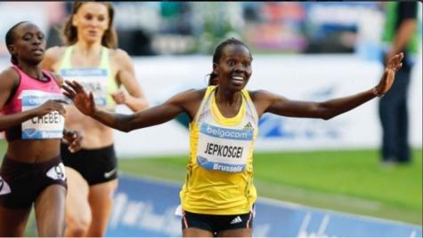 Alerte #athle Record du  monde du semi-marathon pour la Kényane Joyciline Jepkosgei, première femme sous la barre des 1h05