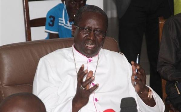Mgr Benjamin Ndiaye aux hommes politiques: « notre pays ne se fera pas dans la division, ayons des paroles et des attitudes responsables qui peuvent préserver la paix sociale… »