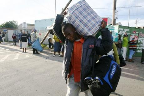 Immigration : Hortefeux veut un accord avec le Mali pour expulser à l'aise