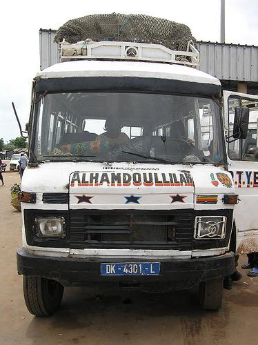 Violente collision entre un minicar et un ''Ndiaga Ndiaye'' sur la route de Thiès : trois morts et plusieurs blessés graves