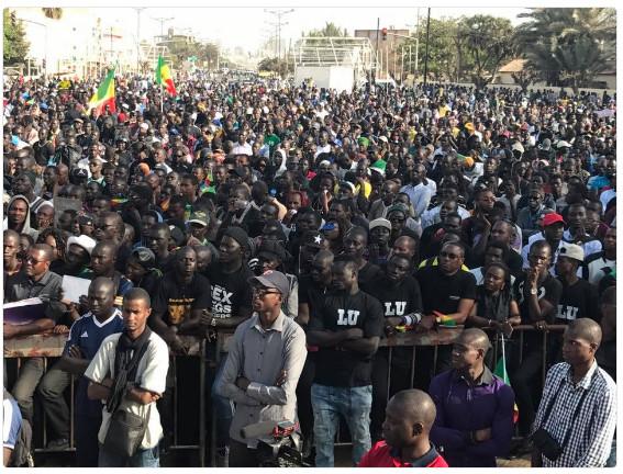 Macky Sall menacé par le syndrome Wade et l'ombre de Y en a marre