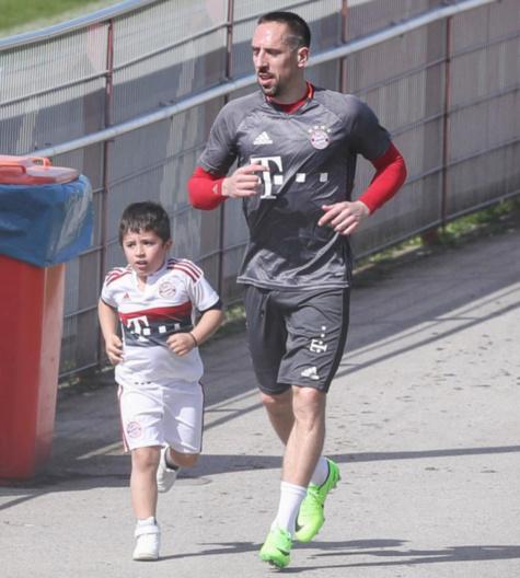 Franck Ribéry et Seif el Islam : un duo père-fils motivé à l'entraînement !
