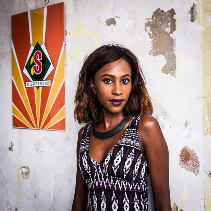 Binetou Sylla est depuis bientôt 3 ans le nouveau visage de Syllart Records, anciennement Syllart Production. Label africain fondé par son défunt père, le grand producteur sénégalais Ibrahima Sylla.
