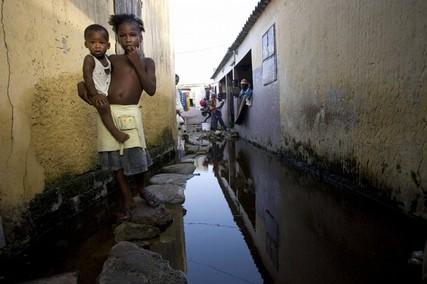 Actualité africaine : Les faibles politiques malgache et sénégalaise
