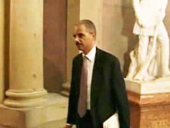 Eric Holder confirmé au poste de ministre de la Justice