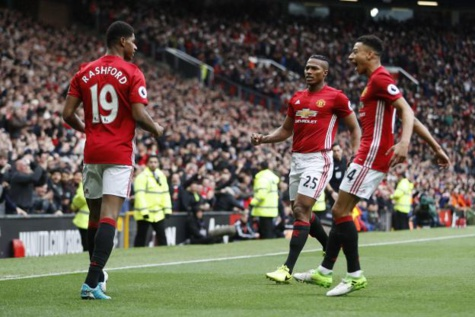 Vidéo-Premier League: Manchester United mate le leader Chelsea (2-0)