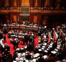 ITALIE: LE SENAT APPROUVE LE DECRET QUI OBLIGE LES MEDECINS DE DENONCER LES CLANDESTINS.