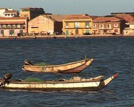 """Saint-Louis du Sénégal, 350 ans et """"pas encore défigurée"""""""