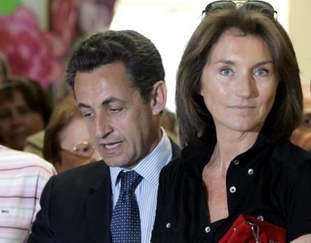 Burkia Faso : Mme Sarkozy plaide pour l'accès des femmse aux traitements contre le sida