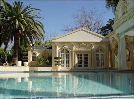(Photo No Comment) Le président Mugabe propriétaire d'une luxueuse villa à Hong Kong