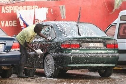 Laveur de voitures: Un boulot qui n'a pas la côte à Dakar