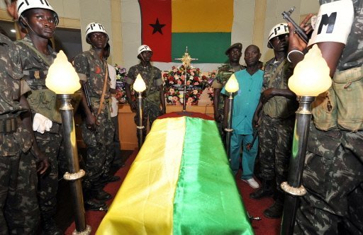 Les funérailles nationales du président bissau-guinéen Joao Bernardo Vieira ont débuté mardi au siège de l'Assemblée nationale populaire, huit jours après son assassinat, a constaté une journaliste de l'AFP.