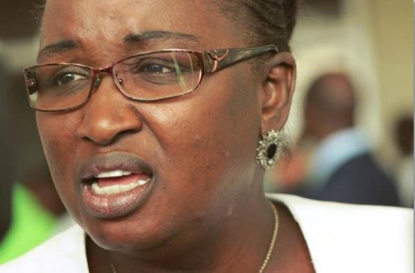 Manko taxawu senegaal: Hélène Tine quitte la coalition au pouvoir pour celle de l'opposition