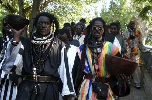 Macky Sall et les Baye Fall en symbiose: le chef de l'Etat se rattrape par un important don en matériels agricole et médical