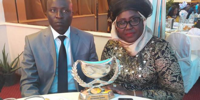 """Adji Mergane Kanouté distinguée Calebasse de l'Excellence  de la  """"Femme Modèle Politique"""""""