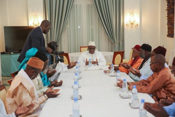 Le Président Macky Sall a reçu la délégation du Khalife de Sokone