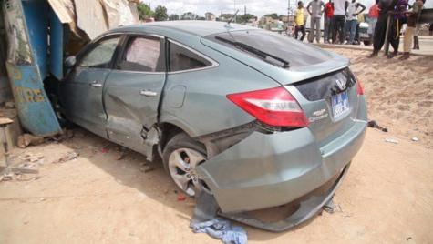 Accident à Bargny: une fille de 14 ans qui apprenait à conduire, tue 2 enfants
