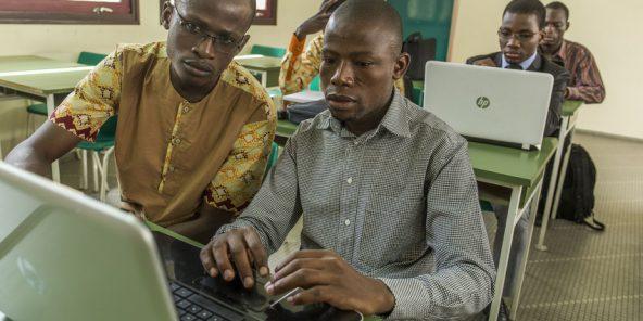 Sénégal: la gestion des 130 000 fonctionnaires passe en ligne