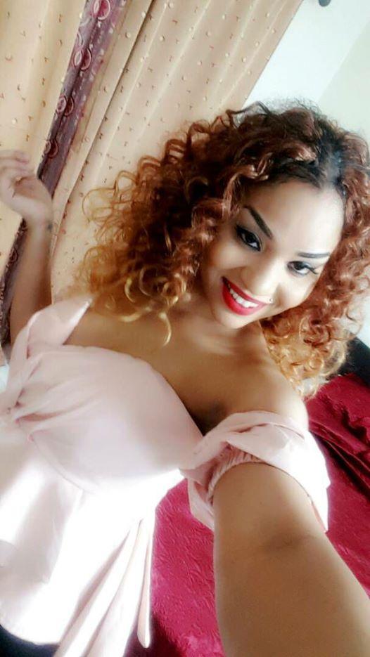 Leyna Guéye relax : La fente très osée de madame Sakho