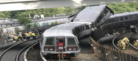 Deux métros entrent en collision près de Washington: neuf morts, 70 blessés