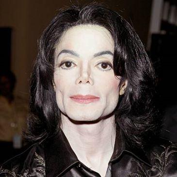 Michael Jackson, victime d'un arrêt cardiaque, serait dans le coma