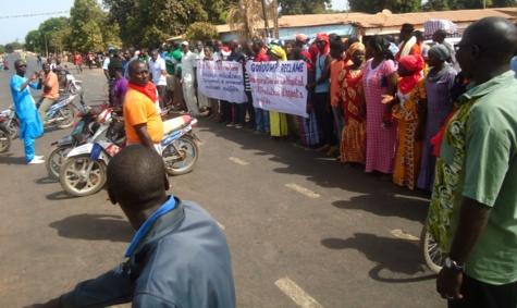 Électrification: Les populations de trois villages de Goudomp menacent de boycotter des Législatives du 30 juillet