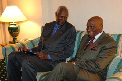 Abdou Diouf pour un respect des mandats électoraux en Afrique