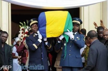 """Les Gabonais rendent un dernier hommage à """"Papa Bongo"""""""