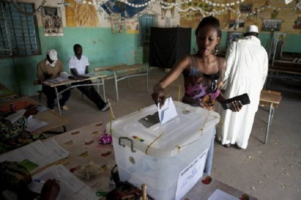 """Législatives: """"Les listes seront publiées par arrêté et non par affichage"""" selon la Direction Générale des élections"""