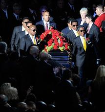 Michael Jackson n'est toujours pas enterré